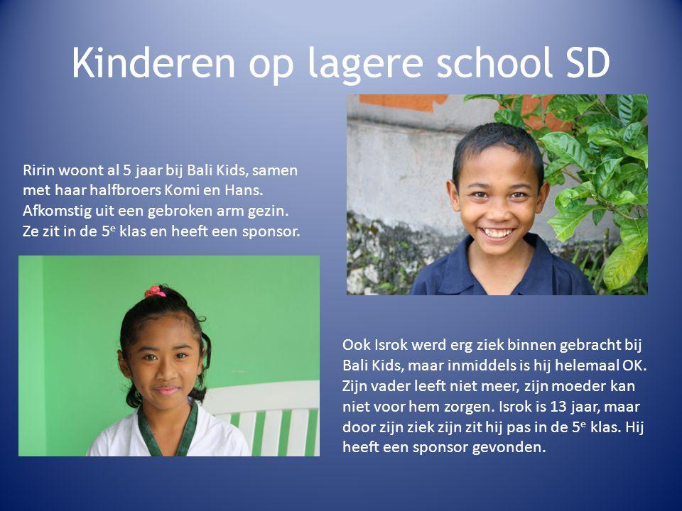 Kinderen op lagere school SD Ririn woont al 5 jaar bij Bali Kids, samen met haar halfbroers Komi en Hans.