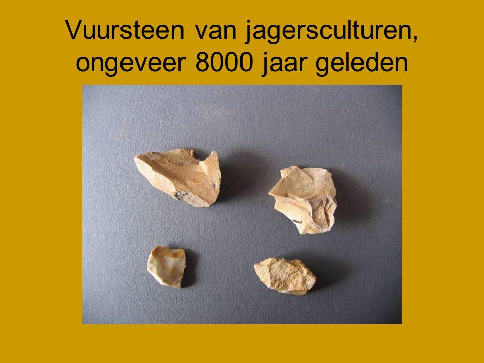 Vuursteen van jagersculturen, ongeveer 8000 jaar geleden