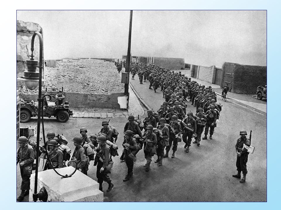 Op D-dag, 6 juni 1944, verlieten de geallieerde troepen Engeland aan boord van vliegtuigen en schepen.