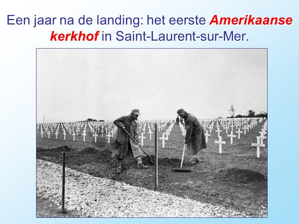 Een Amerikaanse soldaat op een Duitse stelling aan Utah Beach, 1 jaar later.