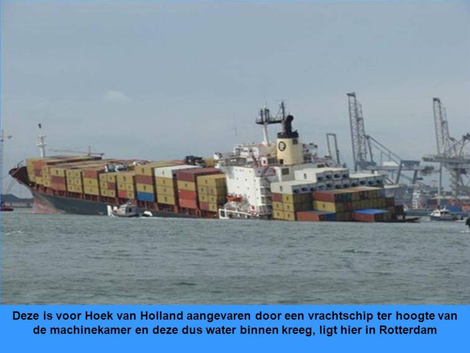 Alle containers zitten onderling met zg. koppelingen aan elkaar vast daarom spoelen ze ook wel eens met z'n drietjes aan.