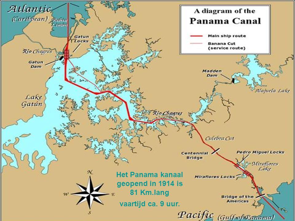 Container schip in de sluizen van het Panama kanaal, meestal is een container 20, 40, 45 voet lang dit is resp. ca. 6, 12, 13,5 meter, breedte altijd