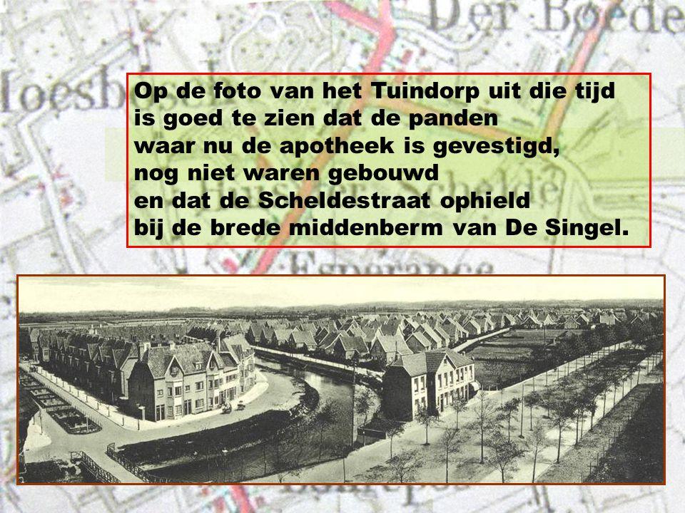 Dat complex was gelegen op een braakliggend stuk grond langs de Singel, tussen de Schuitvaartgracht en de Bosjeslaan.