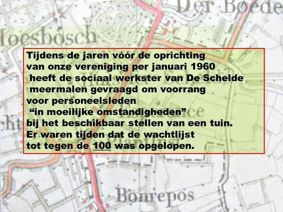 Op de foto van het Tuindorp uit die tijd is goed te zien dat de panden waar nu de apotheek is gevestigd, nog niet waren gebouwd en dat de Scheldestraat ophield bij de brede middenberm van De Singel.