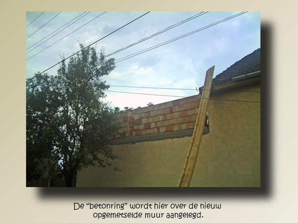 Het verschil tussen het oude en nieuwe dak.