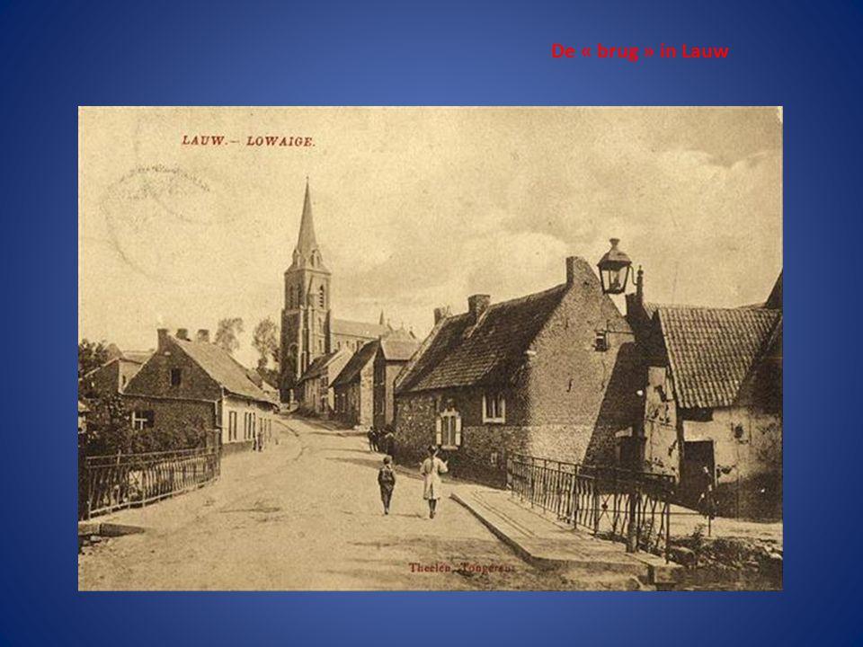O.L.V Kerk (Gothisch) bouw van 1240 tot 1544 De spits werd afgebroken in 1879 en er werd 9 meter bijgebouwd Titel van BASILIEK sinds 1931