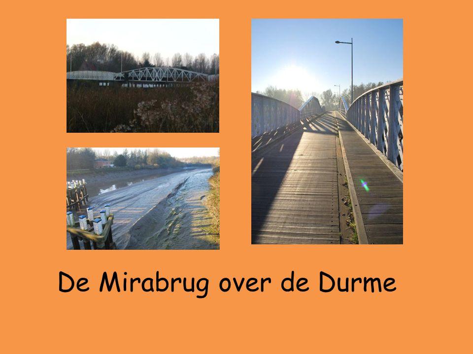 • De Mirabrug is meer dan 100 jaar oud.