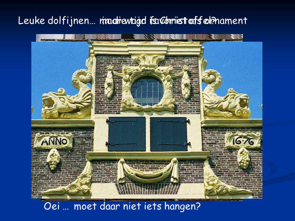 IN SINTE CRISTOFFEL 1663 renovatie van de gevelsteen, mogelijk gemaakt door: Vrienden van Mtr gevelstenen: initiatief Willy Cruts: polychromie Eric Winter: opdrachtgever