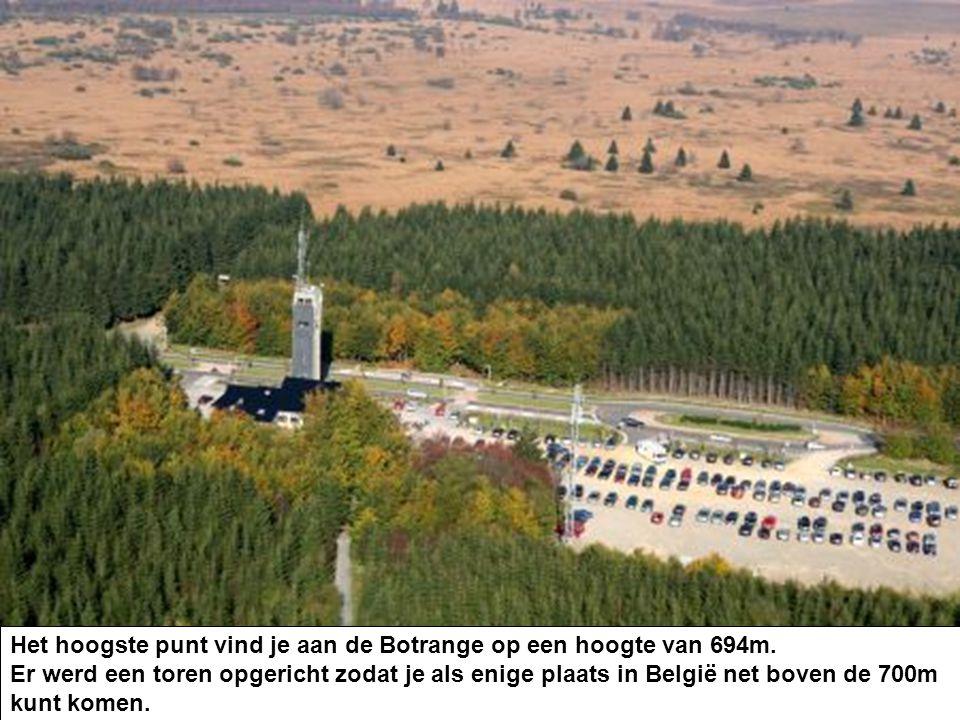 Er werd een toren opgericht zodat je als enige plaats in België net boven de 700m kunt komen.