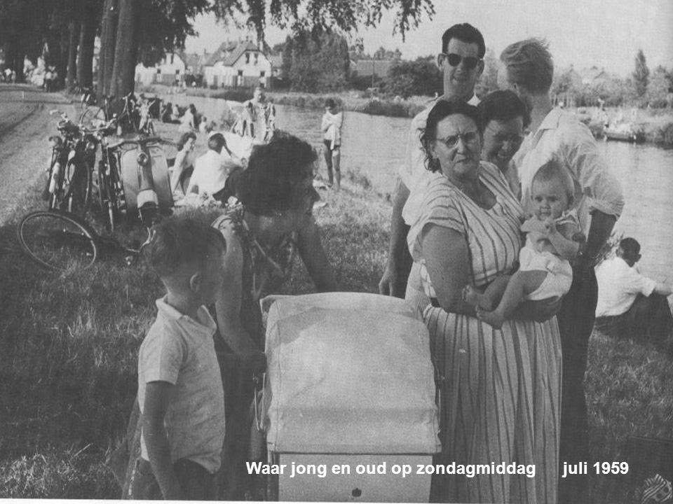 Kanaalweg. In de volksmond: De Nieuwe Vaart Juli 1959