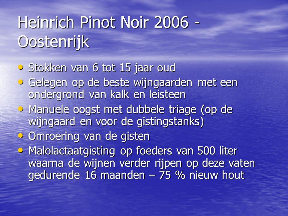 Heinrich Pinot Noir 2006 - Oostenrijk • Stokken van 6 tot 15 jaar oud • Gelegen op de beste wijngaarden met een ondergrond van kalk en leisteen • Manu