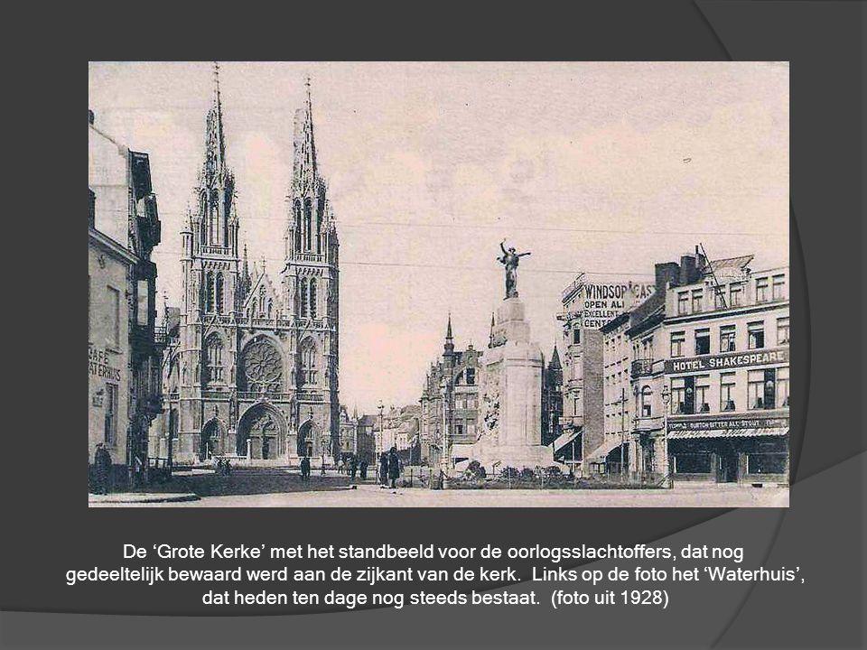 Nog een kijk op de Visserskaai waarbij zowel de huizen als de boten getuigen zijn van een ver Oostends verleden…