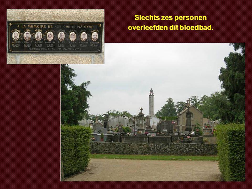 Hier werden honderden vrouwen en kinderen afgeslacht door de nazi's. Gij die passeert, wees ingetogen. Gij die gelooft, bid voor de slachtoffers en hu