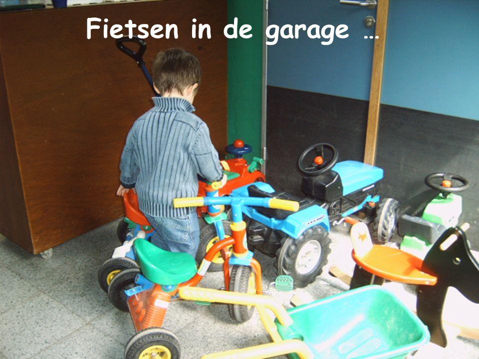 Opruimen… Fietsen in de garage …