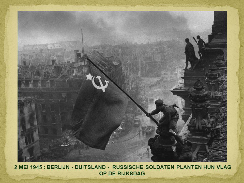 """6 JUNI 1944. DAG """"D"""". DE LANDING IN NORMANDIË BETEKENDE HET BEGIN VAN DE BEVRIJDING VAN HET DOOR DE NAZI'S BEZETTE FRANKRIJK."""