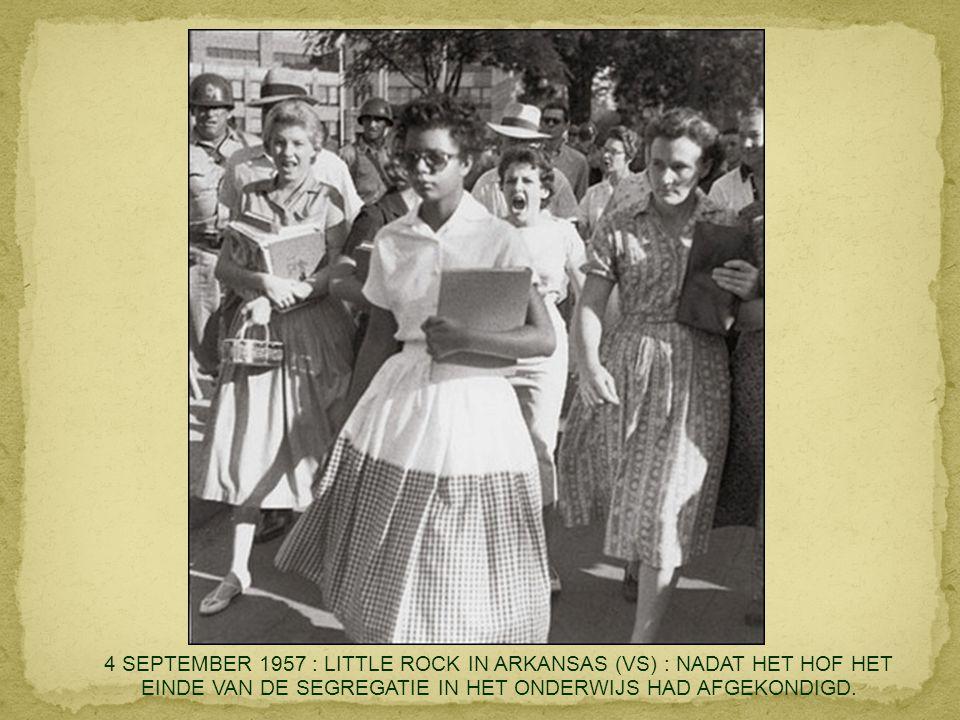 6 AUGUSTUS 1945 : EERSTE NUCLEAIRE AANVAL OP HIROSHIMA. FOTO GENOMEN VANUIT HET TOESTEL DAT DE ATOOMBOM AFWIERP.