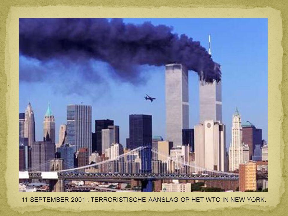 26 JULI 2000 : PARIJS : EEN CONCORDE VAT VUUR 1 MINUUT NA HET OPSTIJGEN VAN HET VLIEGVELD CHARLES DE GAULLE. DE 113 INZITTENDEN OVERLEVEN HET NIET.