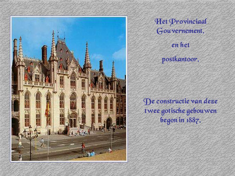 Het Provinciaal Gouvernement. en het postkantoor. De constructie van deze twee gotische gebouwen begon in 1887.