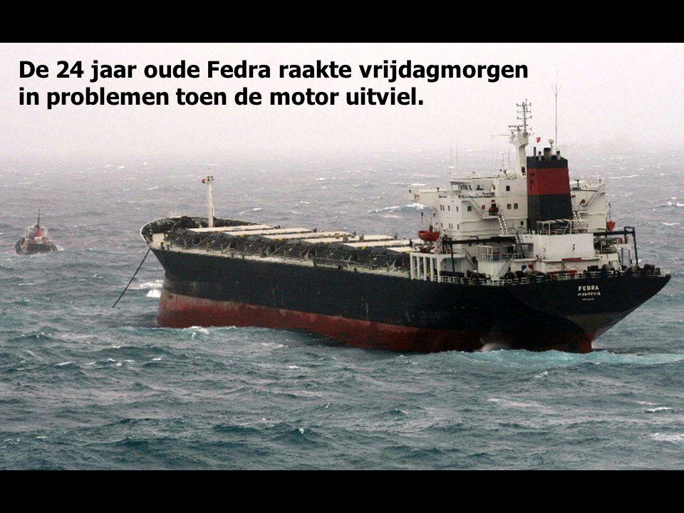De 36.000 ton metende bulkcarrier Fedra is vrijdag 10 oktober 2008, in zware storm (11 Beaufort), bij Gibraltar op de klippen van Punta Europa geslage
