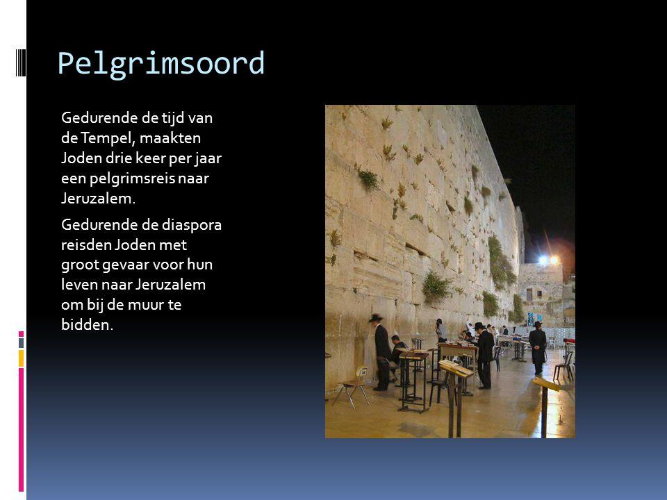 Pelgrimsoord Gedurende de tijd van de Tempel, maakten Joden drie keer per jaar een pelgrimsreis naar Jeruzalem. Gedurende de diaspora reisden Joden me