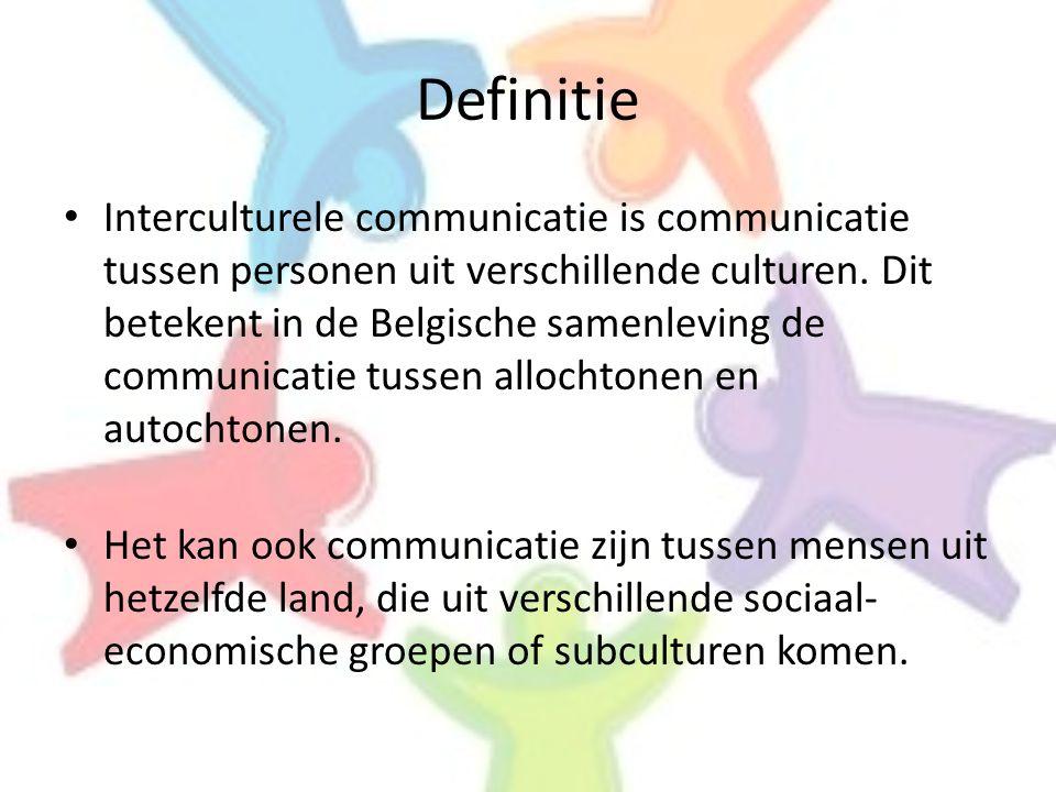 • Interculturele communicatie is communicatie tussen personen uit verschillende culturen. Dit betekent in de Belgische samenleving de communicatie tus