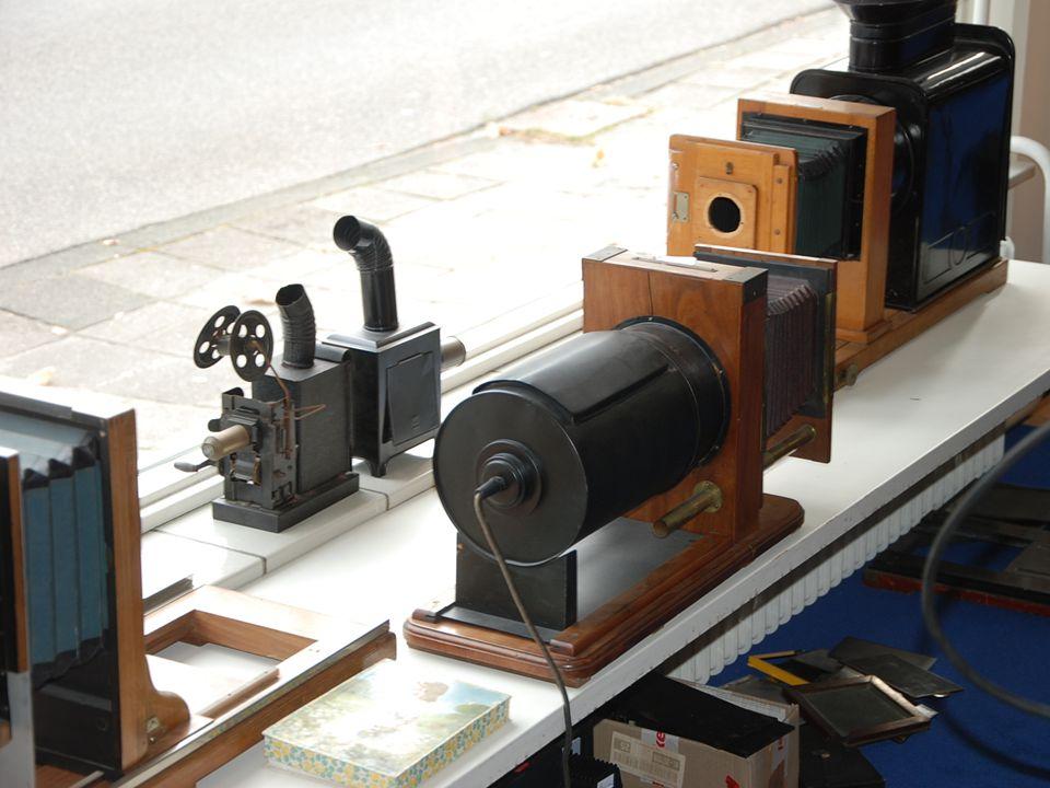 Zelfs dia-apparatuur kunt u hier vinden! Fotografica Museum ZuidHolland