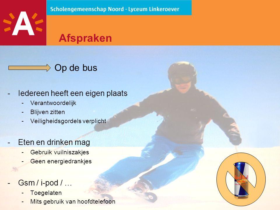 16 Afspraken Op de bus -Iedereen heeft een eigen plaats -Verantwoordelijk -Blijven zitten -Veiligheidsgordels verplicht -Eten en drinken mag -Gebruik vuilniszakjes -Geen energiedrankjes -Gsm / i-pod / … -Toegelaten -Mits gebruik van hoofdtelefoon