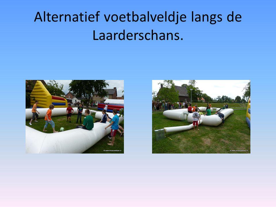 Alternatief voetbalveldje langs de Laarderschans.
