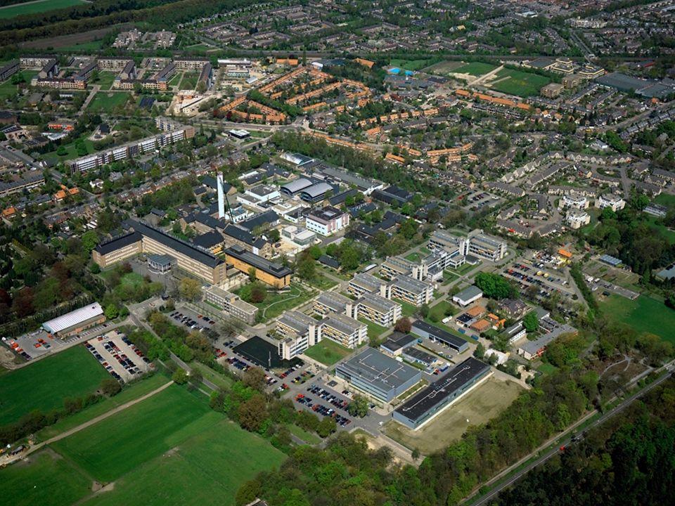 Wat doet RIVM? •Het Rijksinstituut voor Volksgezondheid en Milieu (RIVM) verricht onderzoek, adviseert en ondersteunt overheden. •1500 mensen.