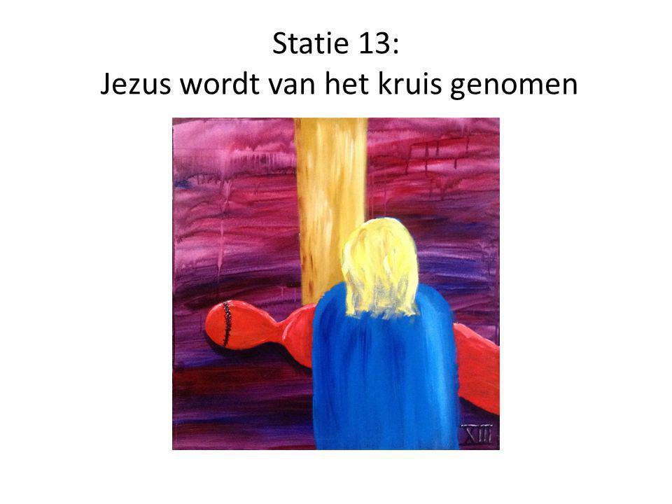Statie 14: Jezus wordt in het graf gelegd