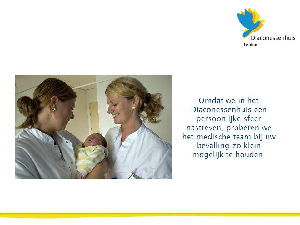 Omdat we in het Diaconessenhuis een persoonlijke sfeer nastreven, proberen we het medische team bij uw bevalling zo klein mogelijk te houden.