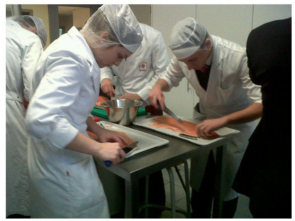 Regisseur op de set van arbeidsmarkt en onderwijs Projecten 2013 • Nieuwe kooktechnieken, gepimpte klassiekers, desserten op het bord Ism horeca vorming Vlaanderen
