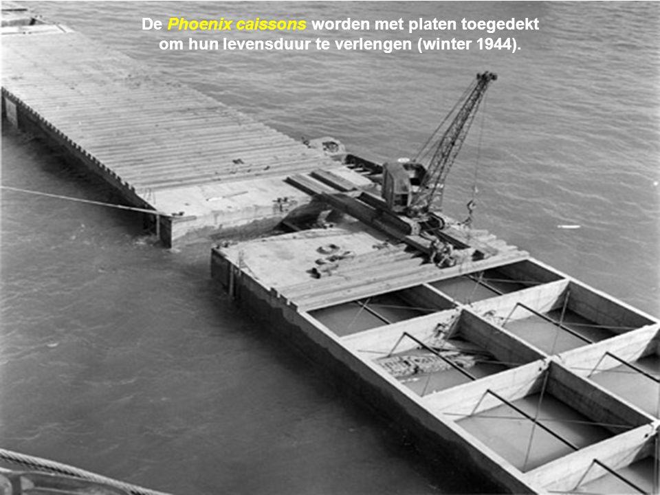 Arromanches wordt in de avond van 6 juni bevrijd en vanaf 7 juin laat men de eerste boten zinken. Vervolgens op 8 juni de eerste caissons Phoenix. Op