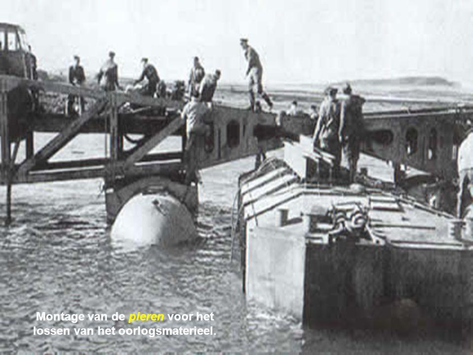 De Phoenix caissons, de Whales platforms en de drijvende pieren worden een per een over het Kanaal gesleept. Wanneer de sleepboren in de morgen van 6