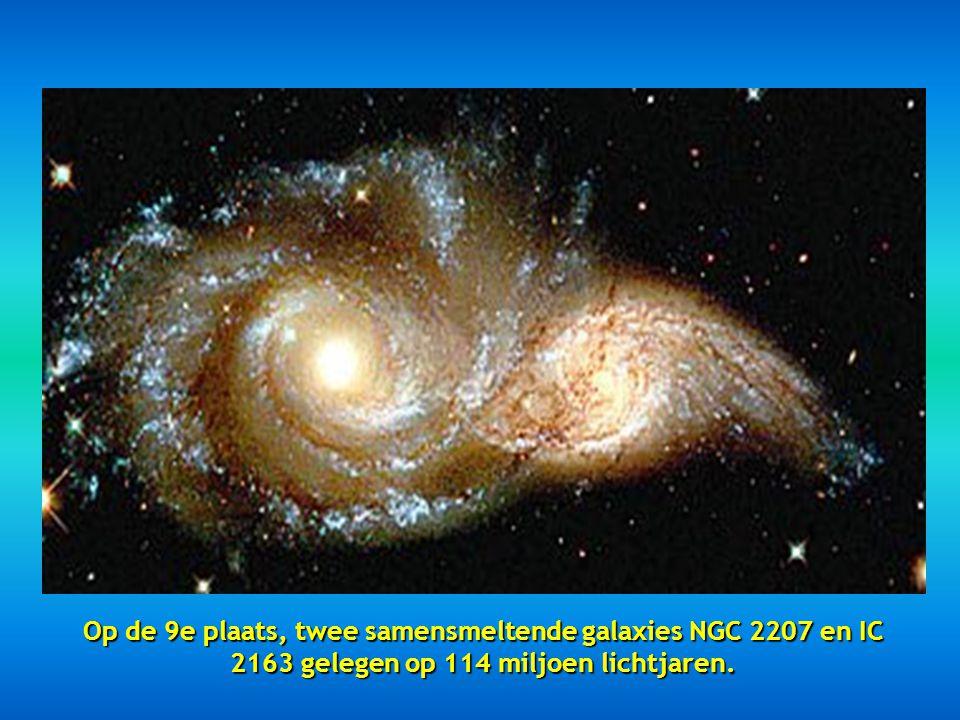 """Op de 8 e plaats, dit mooi beeld """"Starry night"""" geheten En ook gekend als Licht echo."""