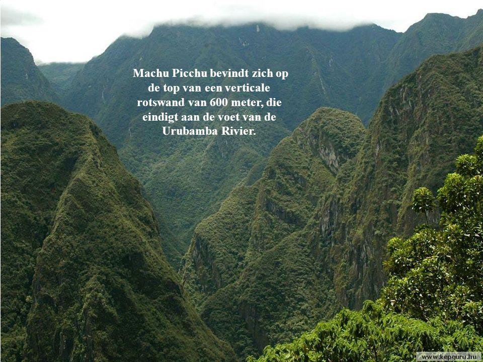 Machu Picchu ligt ongeveer 2300m.boven de zeespiegel.