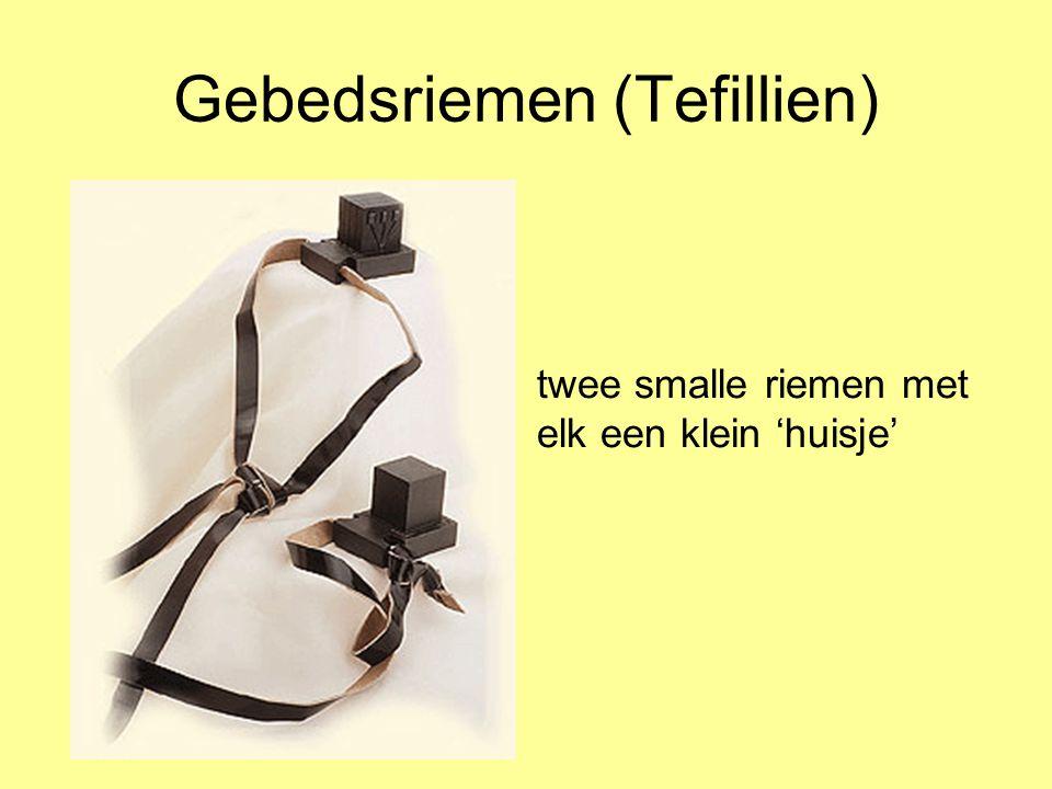 Gebedsriemen (Tefillien) twee smalle riemen met elk een klein 'huisje'