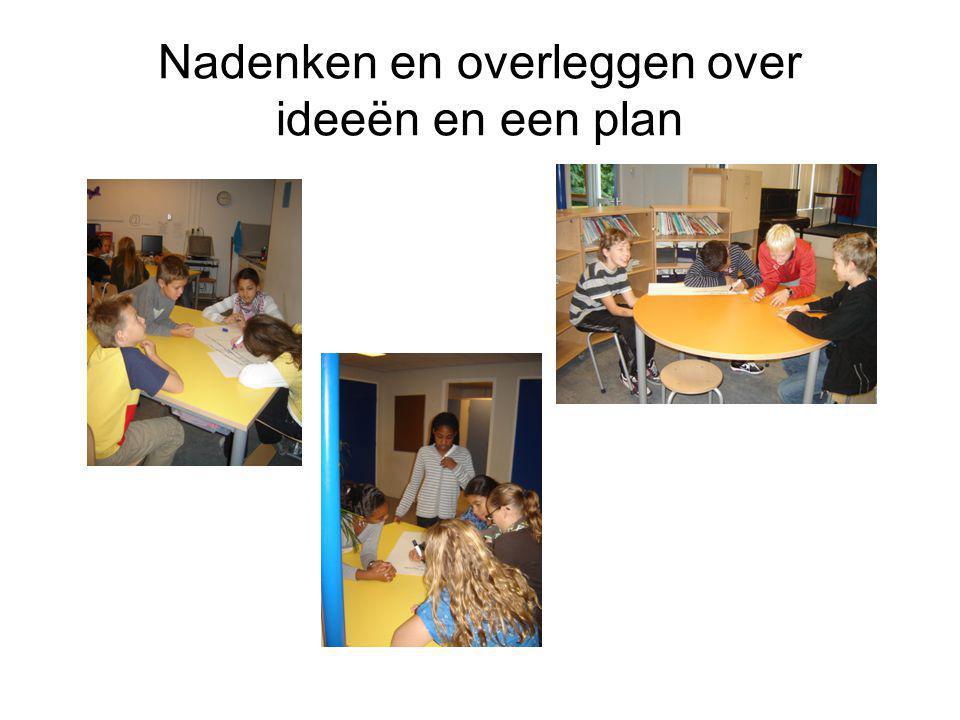 Nadenken en overleggen over ideeën en een plan