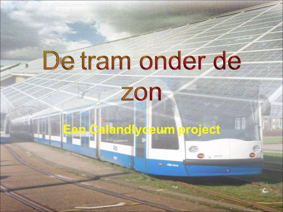 Traject twee stations 540m lang 10m breed 5400m² 10 panelen naast elkaar 108 achter elkaar 1080 paneeltjes 1587m² Overkapping.
