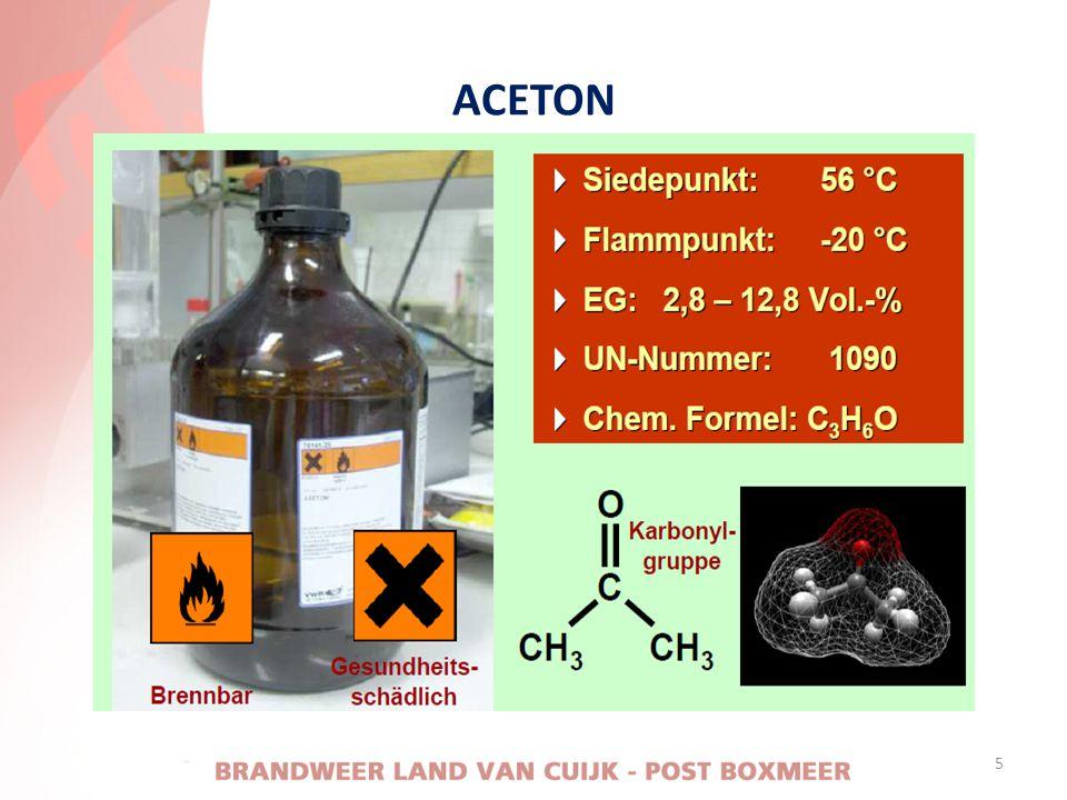 UITTREDEN VAN NIET BRANDEND ACETYLEEN • Is de fles opgewarmd; - gevarenzone ontruimen - onder dekking koelen - ramen en deuren openen - explosiegevaar bepalen - uitstroming gas beoordelen - het flesventiel niet meer dichtdraaien - de fles niet meer benaderen - de fles leeg laten lopen 16
