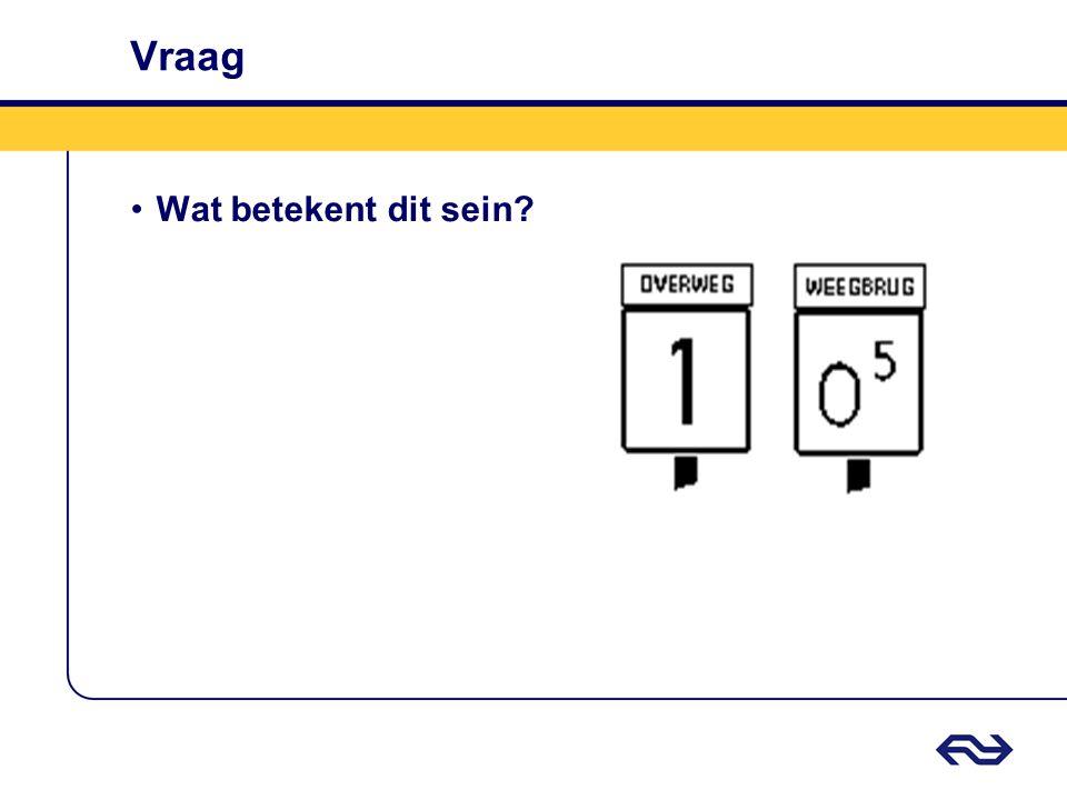Antwoord Snelheidsbord Overweg / Weegbrug De door het getal aangegeven snelheid wordt niet overschreden totdat: a.De voorkant van de trein de overweg is gepasseerd, of b.De gehele trein de weegbrug is gepasseerd.