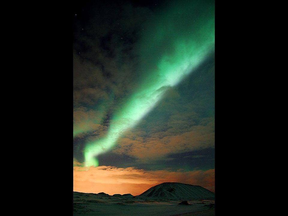 Even terzijde: over ons Zonnestelsel Alhoewel de temperatuur aan het Zonneoppervlak «slechts» zo'n 6.000°C bedraagt, beloopt deze binnen in de Zon enkele miljoenen Kelvin [ Kelvin (K) = Celsius (°C) + 273,14 ].
