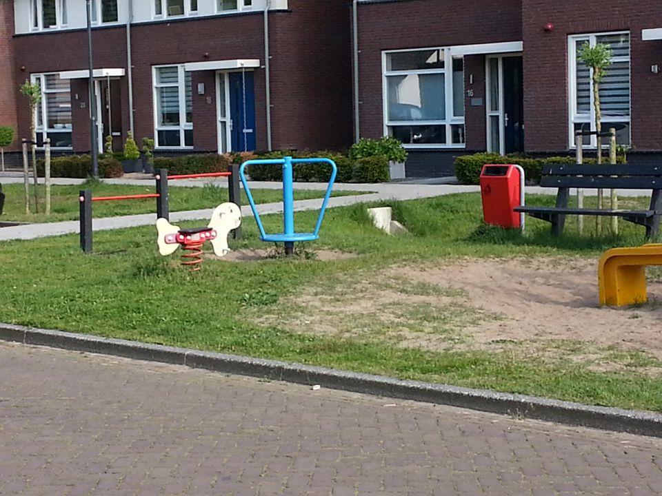 Top 10 Waardoor is de buurt achteruit gegaan 1.Sluiting basisschool De Hooght20 2.