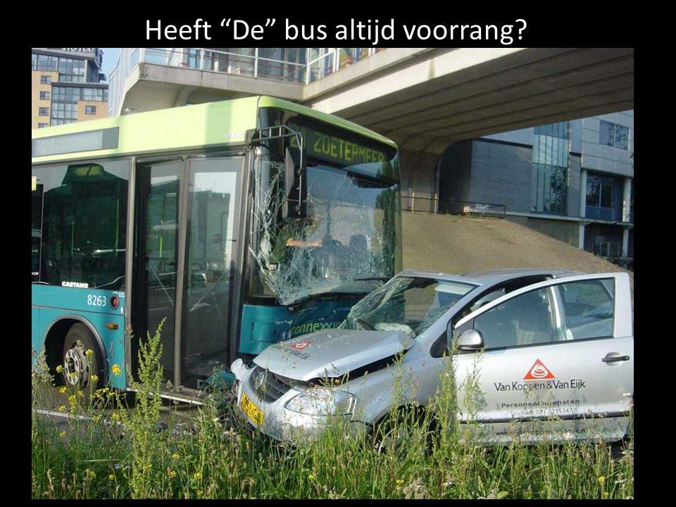 """Heeft """"De"""" bus altijd voorrang?"""