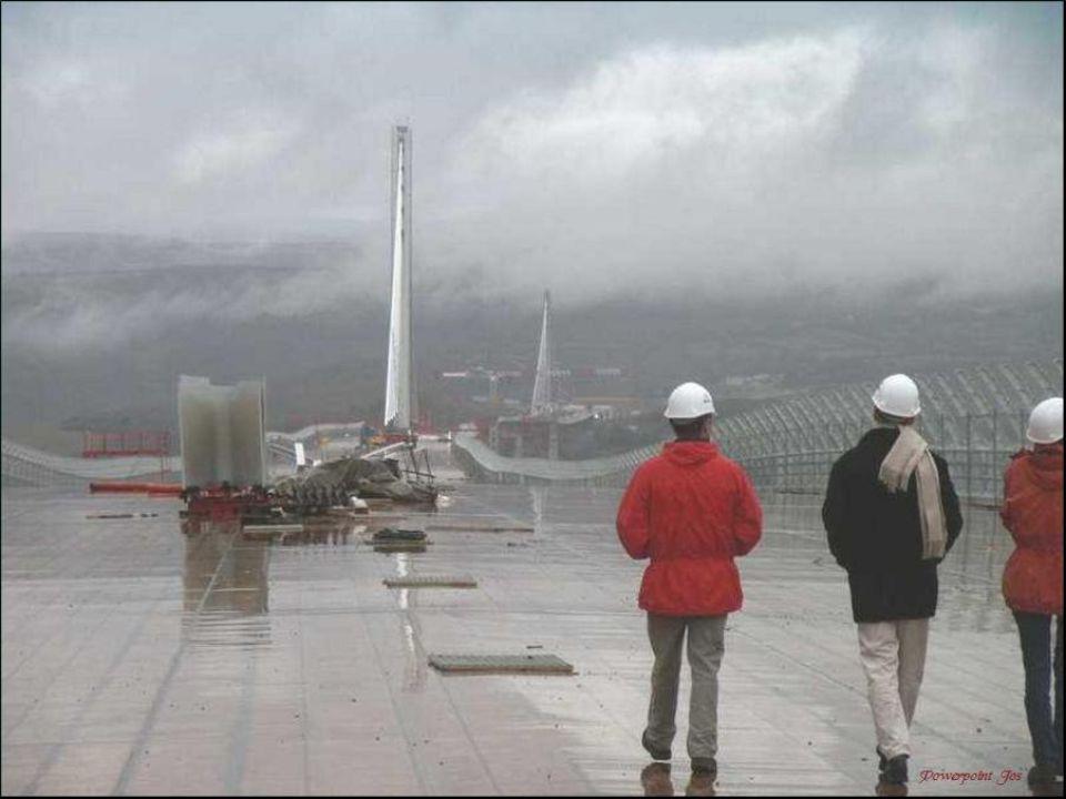 Een brugdek volledig in bedwang: dmv hydrauliek.