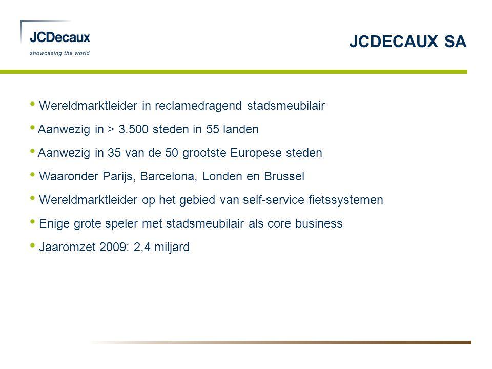 • Wereldmarktleider in reclamedragend stadsmeubilair • Aanwezig in > 3.500 steden in 55 landen • Aanwezig in 35 van de 50 grootste Europese steden • W