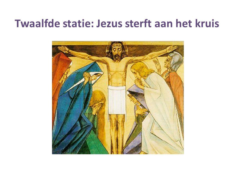 Twaalfde statie: Jezus sterft aan het kruis.