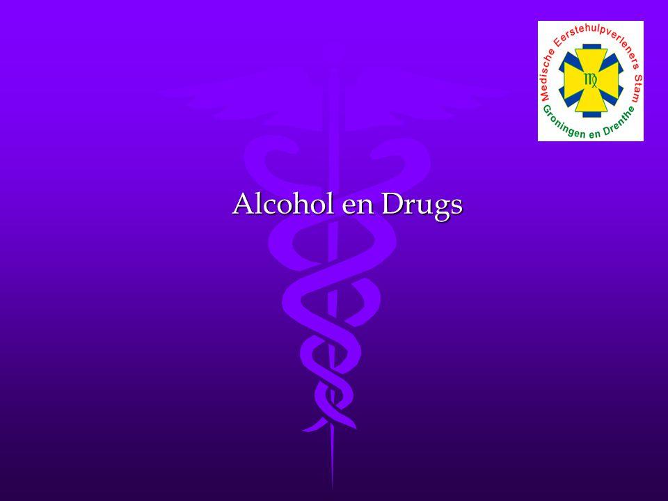 Gerrit Hagendoorn 07 december 2008 Middelengebruik onder jongeren Middelengebruik onder jongeren (Abraham e.a., 2002) Drug Ooit gebruikt Gebruik in de laatste maand 16-19 jaar 20-24 jaar 16-19 jaar 20-24 jaar Alcohol91,7%95,6%78,3%79,5% Cannabis28,4%41,9%8,6%11,2% XTC5,5%13,6%1,6%2,5% Cocaïne2,7%8,6%0,9%1,6% Amfetamine3,9%9,5%0,7%0,9%