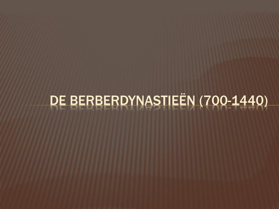Lesconcept 'De Berberdynastieën (700-1440)'  Lescorpus: elk groepje bestudeert specifiek domein onder Berberdynastie (groepswerk)  Politiek – territoriaal  Economie  Bouwkunst  Elk groepje stelt zijn thema voor aan andere groepen via een ppt-presentatie (die vooraf door ons werd gemaakt)