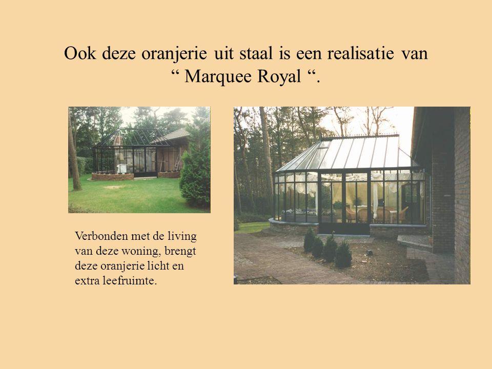 """Ook deze oranjerie uit staal is een realisatie van """" Marquee Royal """". Verbonden met de living van deze woning, brengt deze oranjerie licht en extra le"""